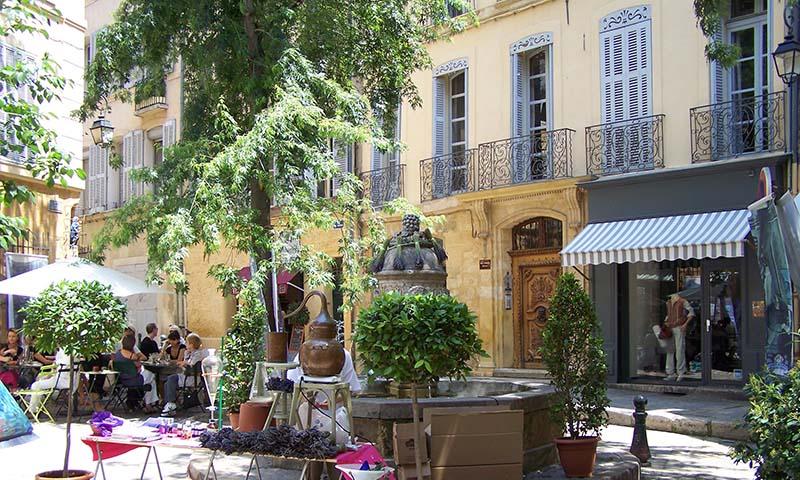 Brunnen_in_Aix-en-Provence